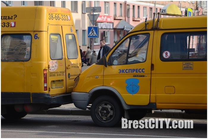 Троллейбус и две маршрутки столкнулись в Бресте на МОПРа