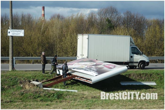 Последствия сильного ветра в Бресте 13.04.2015