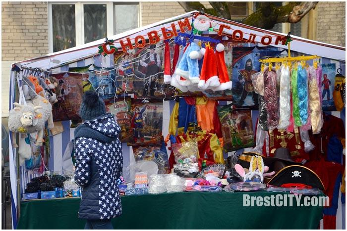 Предновогодняя ярмарка в Бресте на улице Гоголя 2015. Фото BrestCITY.om