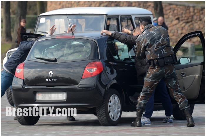 Учения милиции в Бресте. Задержание машины