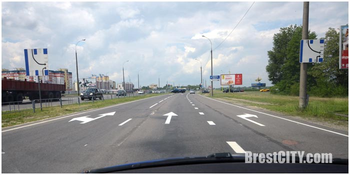 Отдельная полоса направо на мост на б.Шевченко в Бресте. Фото BrestCITY.com
