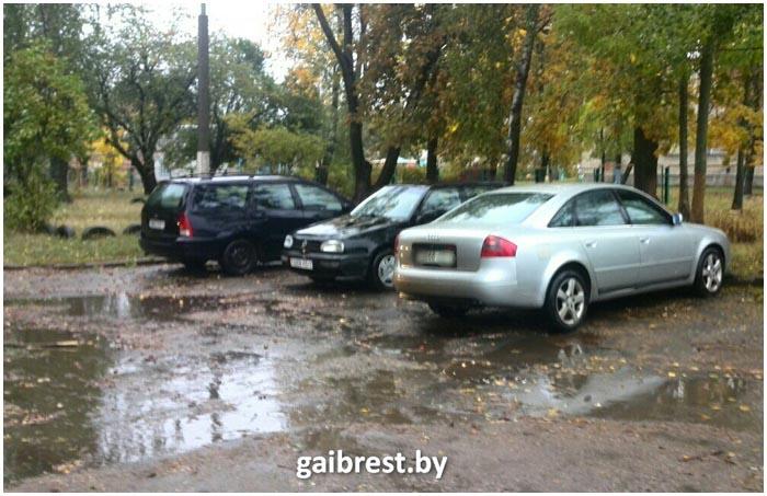На ауди в Пинске сбил пешехода