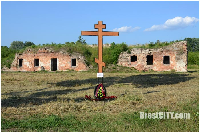 """Минус православный крест и плюс ограда: что """"потерял"""" и приобрёл монастырь бернардинок?"""