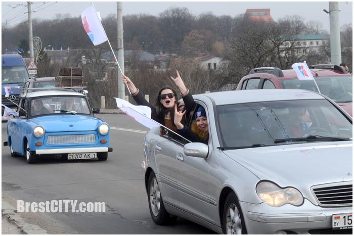 Автопробег болельщиков БГК им.Мешкова в Бресте 6 марта 2016. Фото BrestCITY.com