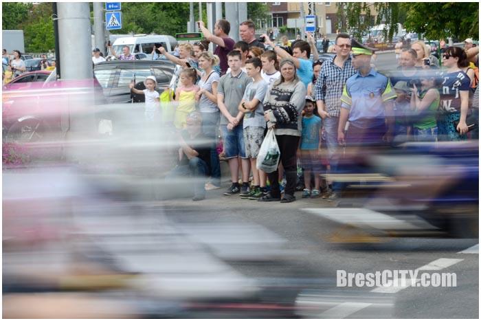 Мотопарад байкеров по Бресту 28 мая 2016. Ул.Московская (возле Ледового). Фото BrestCITY.com