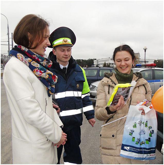БОШ и ГАИ поздравили водителей женщин с 8 марта
