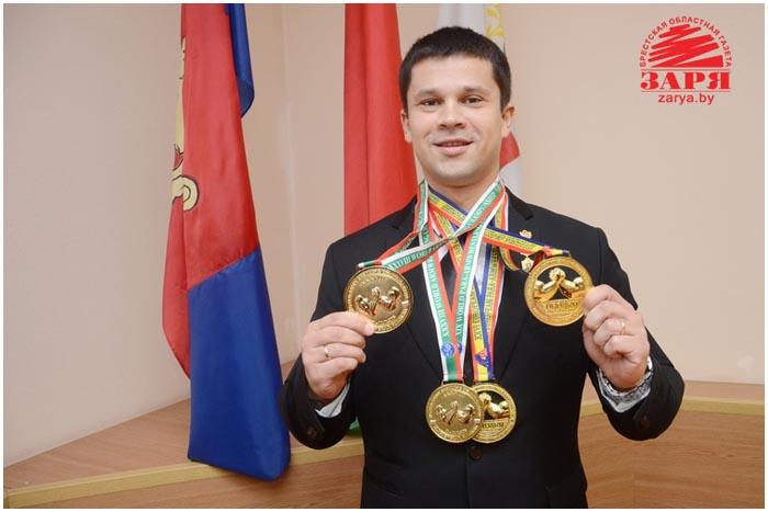 Виктор Братченя. Соревнования по армреслингу