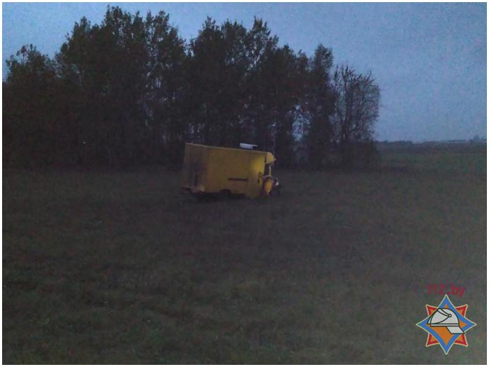 Бус врезался в трактор на М1 под Брестом