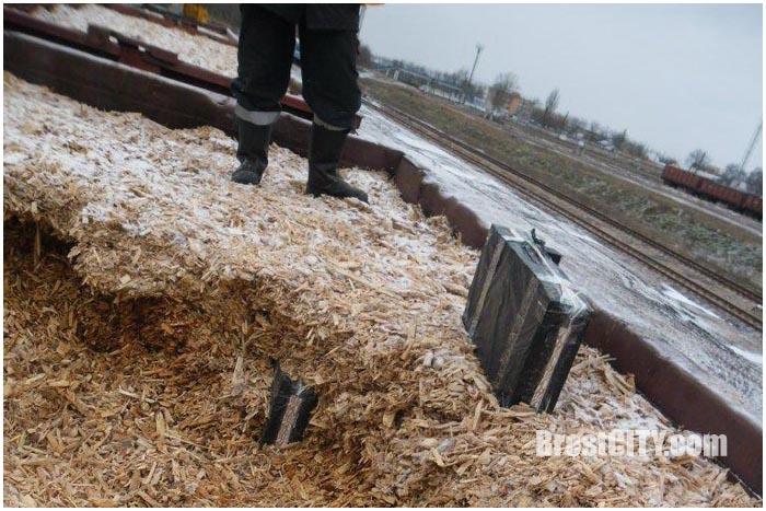 Контрабанда сигарет через границу по железной дороге