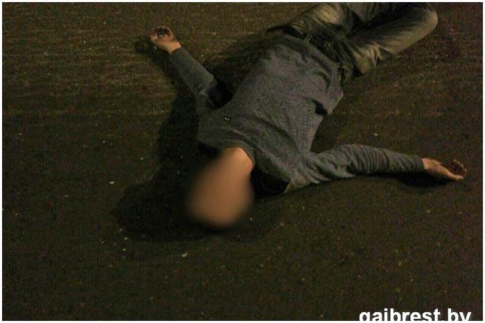 Пьяный уснул на дороге по улице Ленина в Бресте