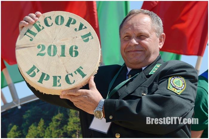 В Бресте проходят соревнования Лесоруб-2016. Фото BrestCITY.com