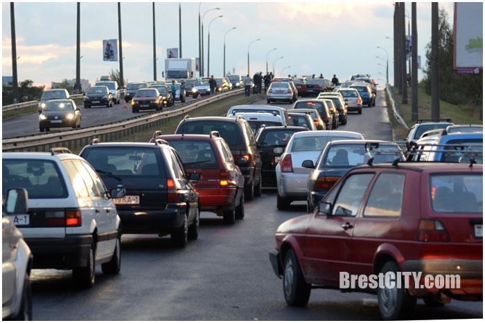 Четыре ДТП на мосту на Варшавке 21 сентября 2016. Фото BrestCITY.com