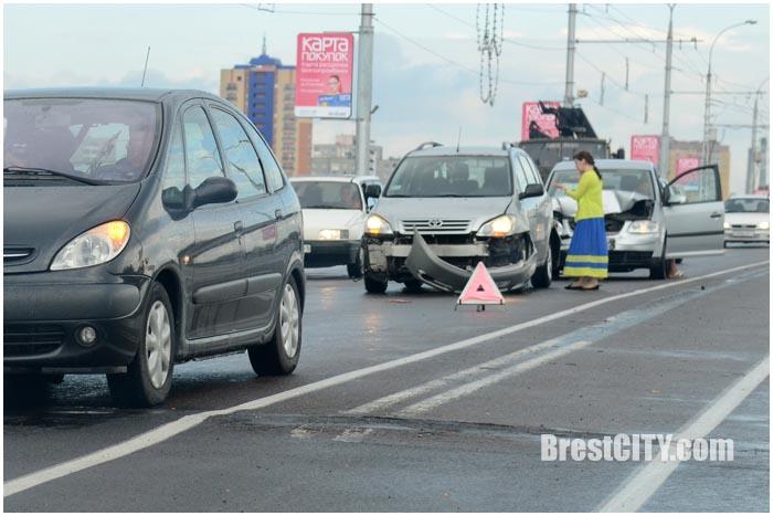 Авария на мосту по ул.28 июля в Бресте