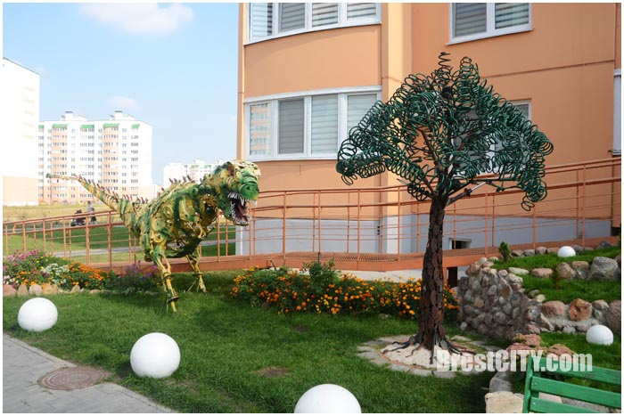 Необычные дворы на Вульке в Бресте. Как можно преобразить дворовую территорию. Фото BrestCITY.com