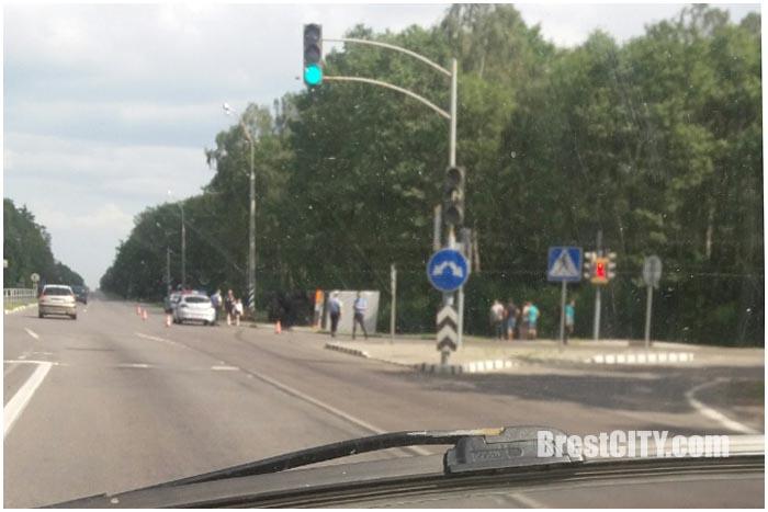 ДТП на М1 возле деревни Черни. Опрокинулась фура