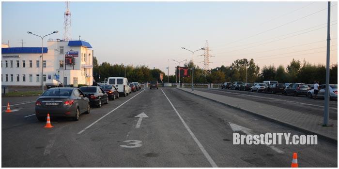 На границе в Бресте исчезла очередь. Фото BrestCITY.com