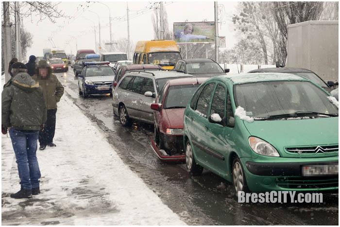 Авария в Бресте на Кобринском мосту 1 февраля 2016. Фото BrestCITY.com