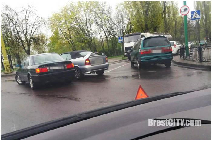 ДТП на Кольце на Набережной. Брест 25 апреля 2016