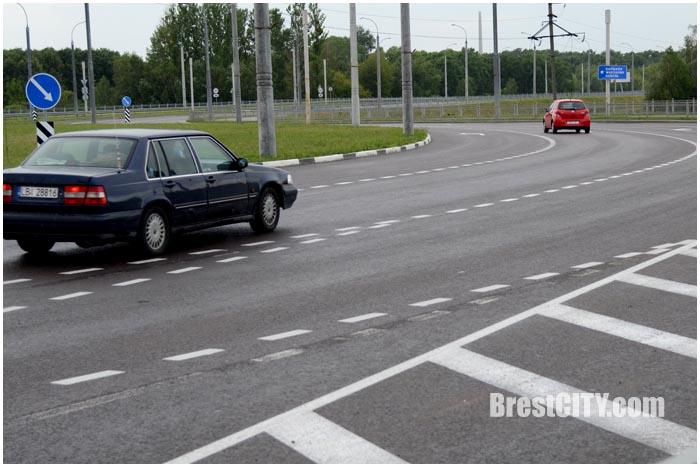 Новая разметка на кольце на Варшавке. Фото BrestCITY.com