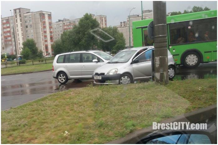 Авария на кольце на Вульке в Бресте 12 июля