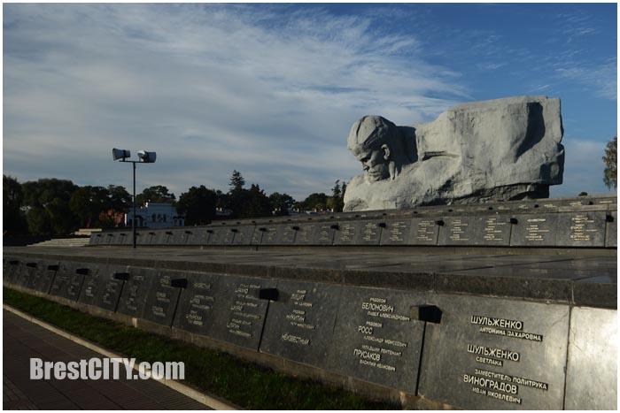 Главный монумент Брестской крепости. Фото BrestCITY.com