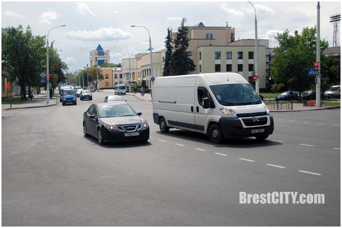 Изменен режим работы светофора на перекрестке Ленина-Гоголя. Фото BrestcCITY.com