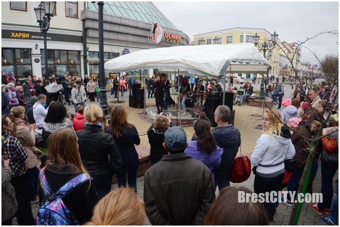 Открытие музыкального сезона на Советской в Бресте 9 апреля 2016