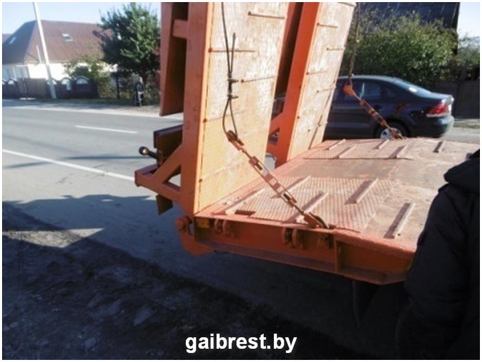 Пешеход попал под колеса Маза в Пинском районе