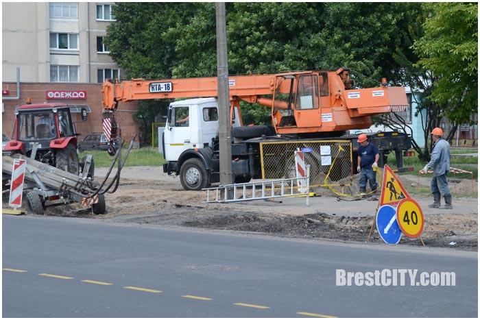 Дорожные работы на ул.Пионерской в Бресте. Июнь 2016. Фото BrestCITY.com