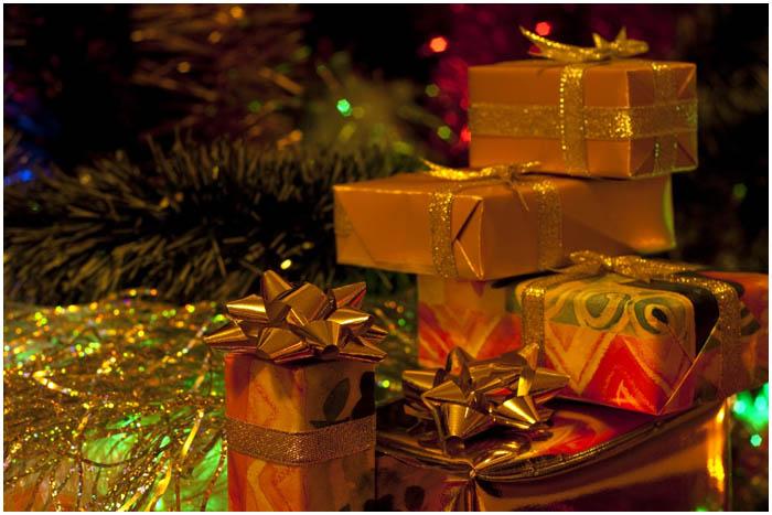 Подарки под елкой на Новый год