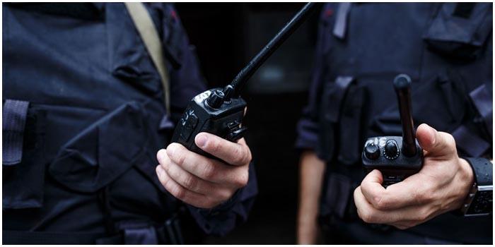 Милиционеры с рацией