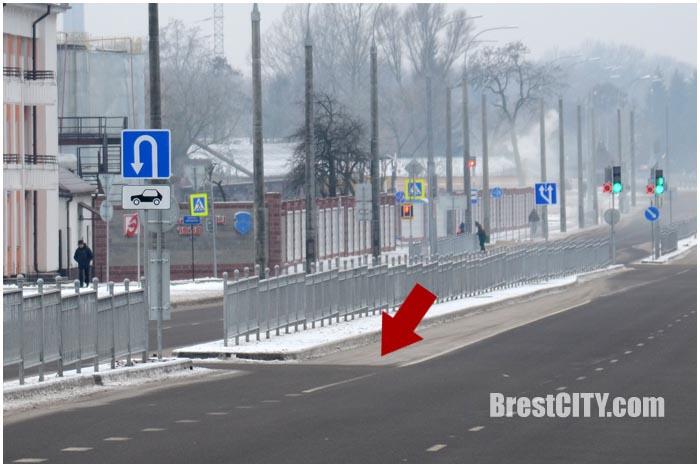 Неудобный разворот на проспекте Машерова в Бресте. Фото BrestCITY.com