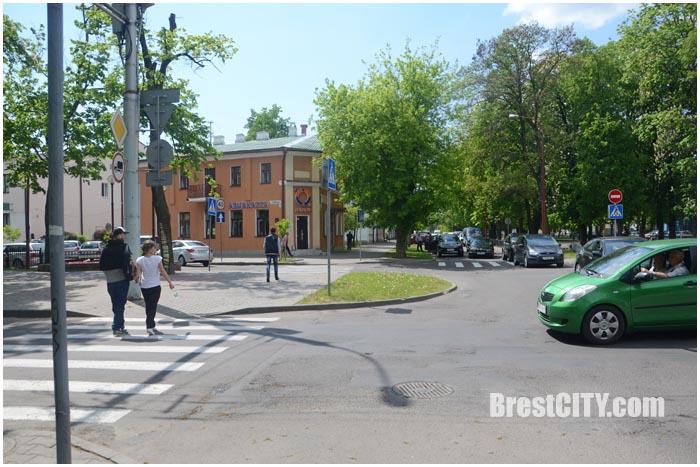 Ремонт на улице Гоголя в Бресте. Перекрыто движение