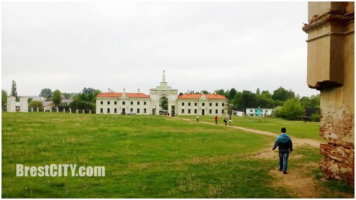 Ружаны. Дворцово-парковый комплекс Сапегов. Фото BrestCITY.com