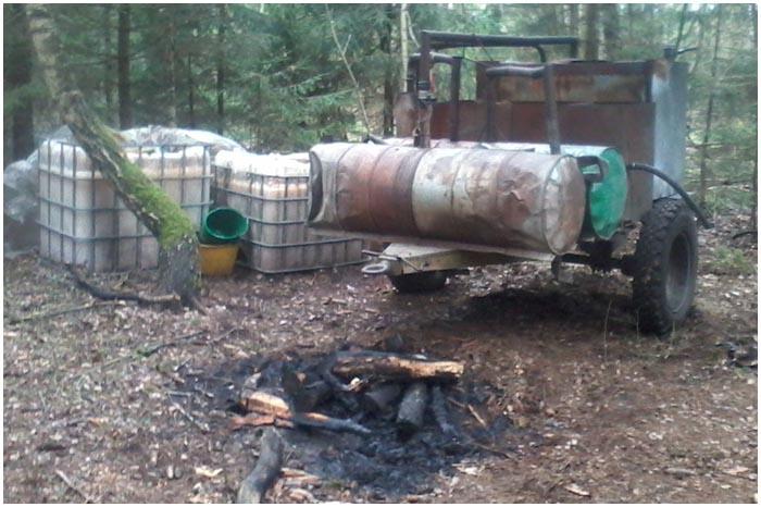Мини-завод в лесу по производству самогона