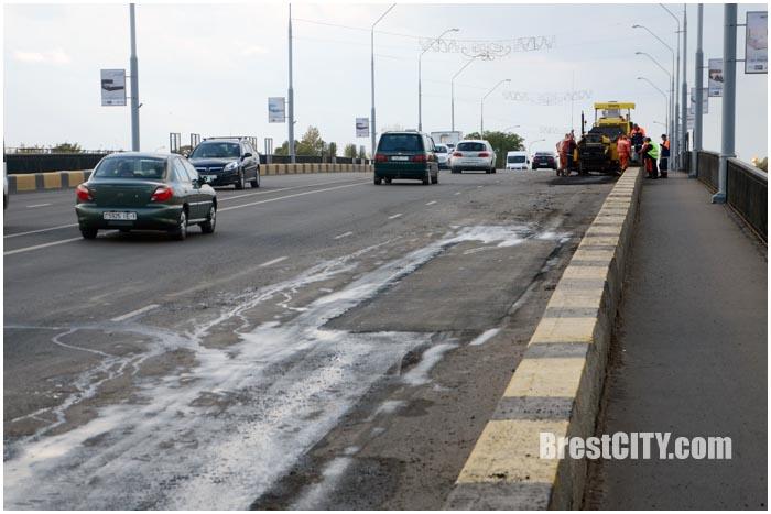 Стадный инстинкт водителей в действии. Фото BrestCITY.com