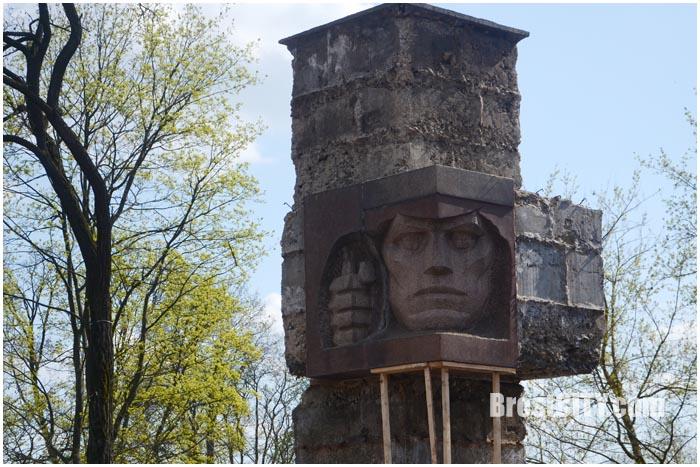 Памятник стражам границ в Бресте. Ремонтные работы