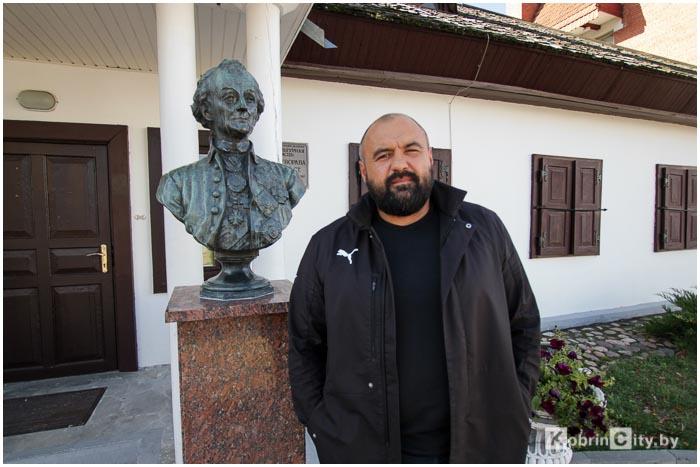 Бюст Суворова вернули на место в Кобрине
