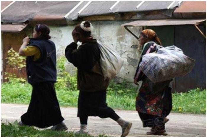 Цыгане обокрали пожилых людей