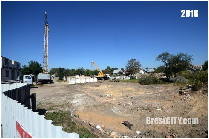 В Бресте снесли последний дом колонии Варбурга. Фото BrestCITY.com