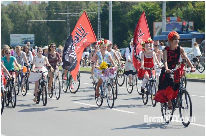 Велопарад на шпильках 2016. Фото BrestCITY.com