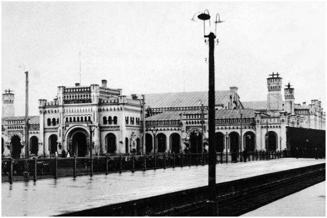 Брестский ЖД вокзал на старой открытке