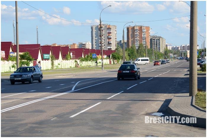 Новая разметка на улице Волгоградской в Бресте