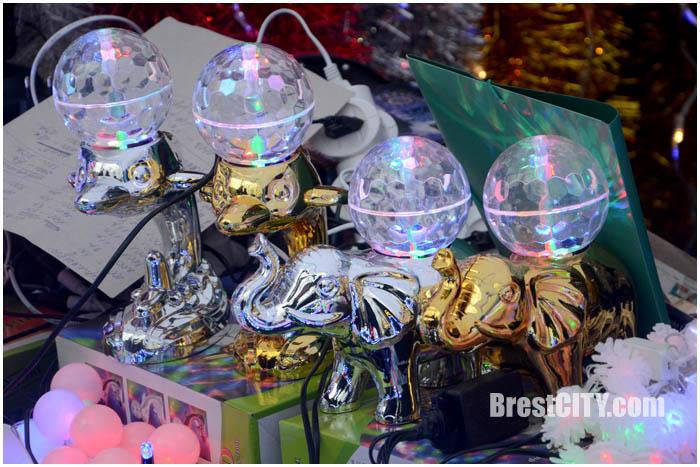 Новогодняя ярмарка на ул.Гоголя в Бресте. Фото BrestCITY.com