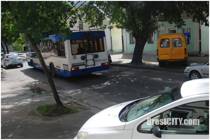 Затор на ул.17 сентября в Бресте 15 июля. Фото BrestCITY.com
