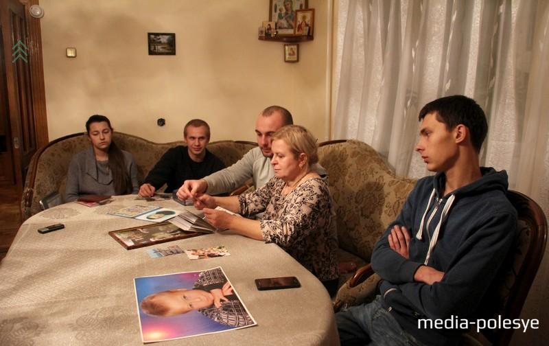 В это трудное время Светлану Николаевну поддерживают ближайшие друзья Александра