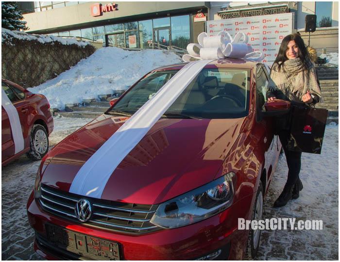 Брестчанка выиграла автомобиль в акции от МТС
