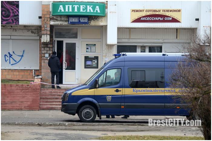 В Бресте на Ковалевке ограбили банкомат