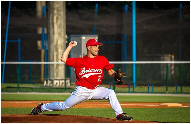 Бейсболист Анатолий Лобачевский