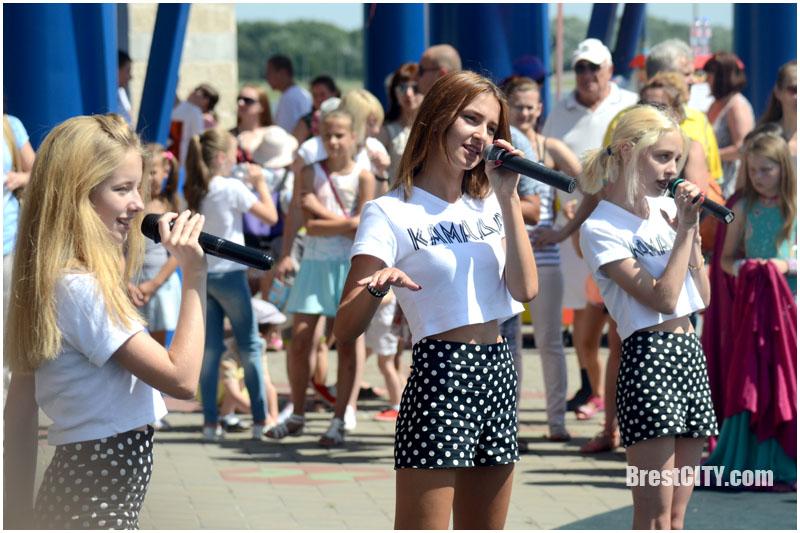 Фестиваль близнецов в Бресте